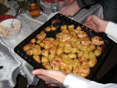 Подпаленная снизу картошка с курицей:(