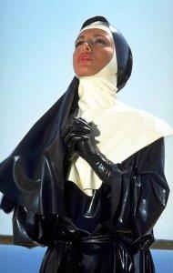 Монахиня латекс