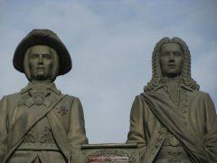 Екатеринбург. Памятник основателям города - Бивису и Батхеду.