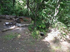 Место под лагерь с халявой