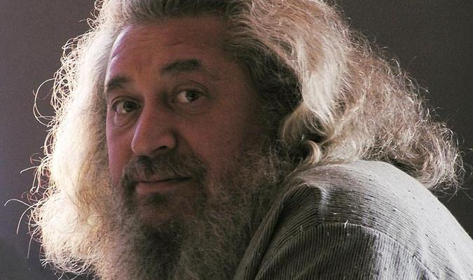 Сергей Делеорович Каплан (1954-2010) основатель и руководитель Кольского Бугорка, к счастью ничего из этого он не прочиатает