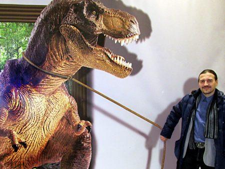 Йа и тиранозавр